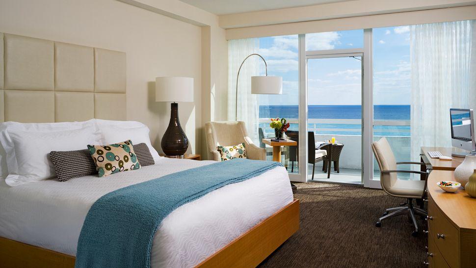 002297-09-Oceanfront-Balcony