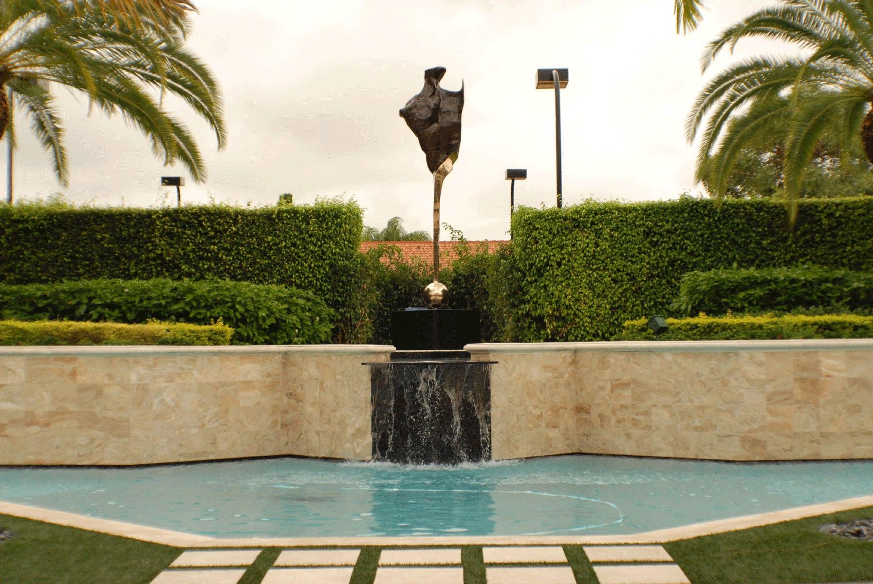 Yure Berkeley, Um dos maiores escultores do Sul da Florida